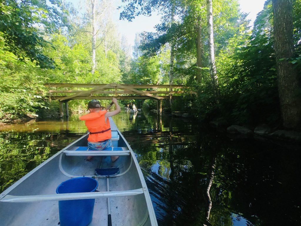 Paddla kanot vid Haglunds gård
